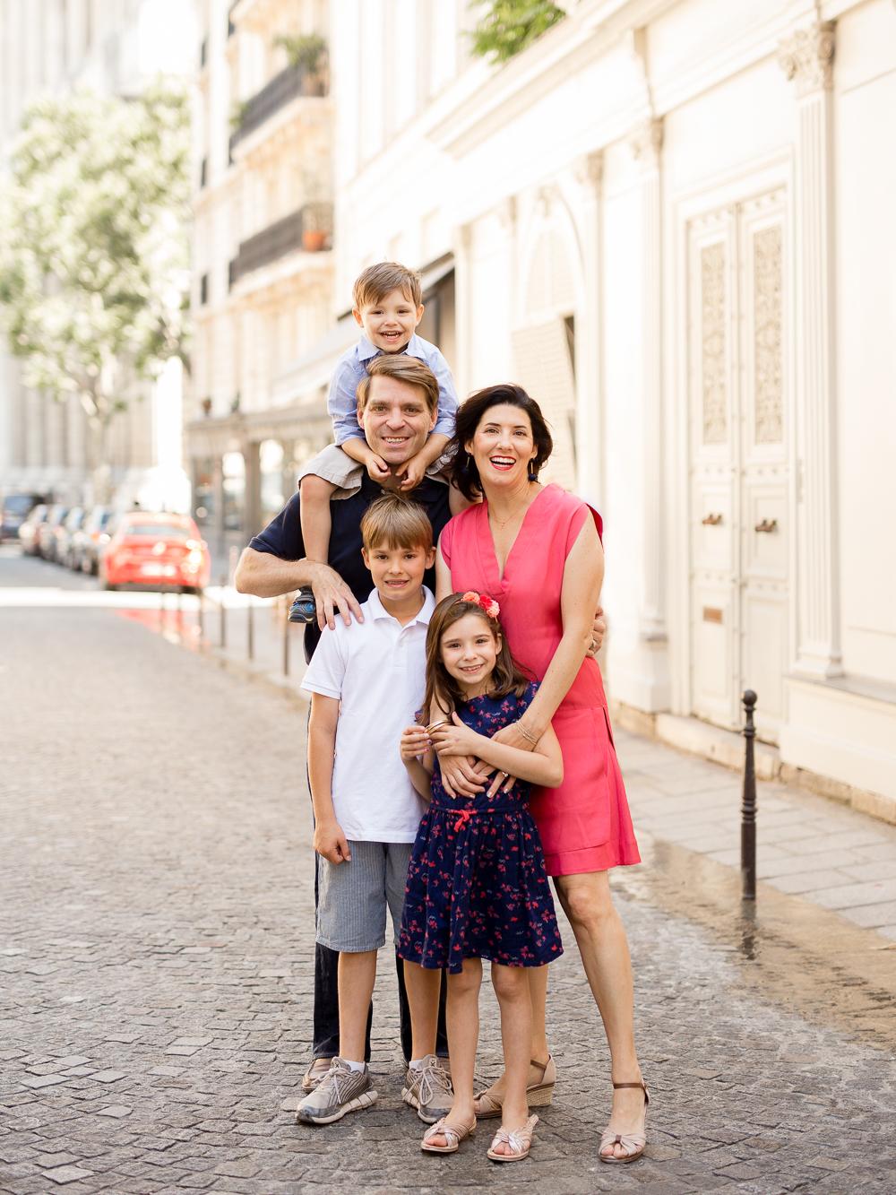 paris-family-portrait-photographer-location-ideas-paris-6_arrondissement_005.jpg