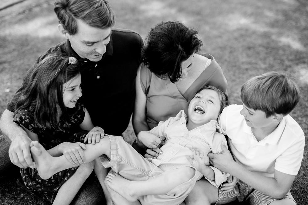 paris-family-portrait-photographer-location-ideas-paris-6_arrondissement_001.jpg
