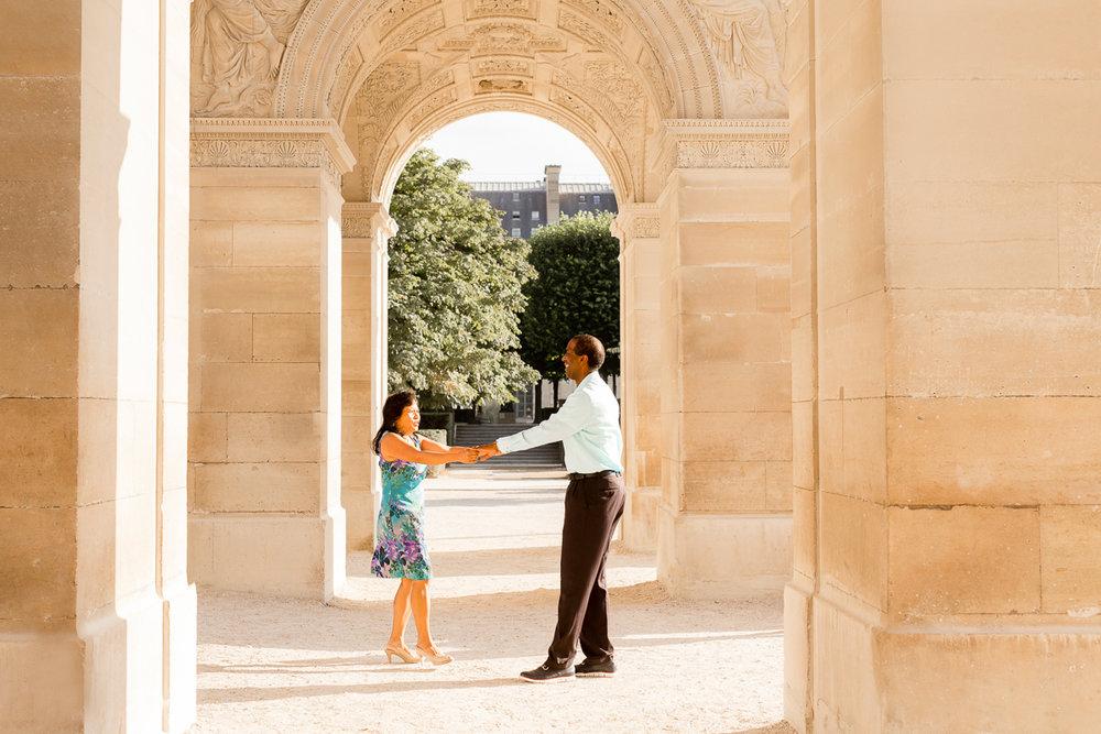 Romantic-Parisian-Couples-Anniversary-Photo-Session-Paris-Photographers-Katie-Donnelly-Photography_012.jpg