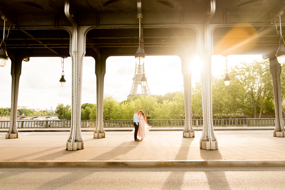 Romantic-Parisian-Photo-Session-Eiffel-Tower-Photographers,-Katie-Donnelly-Photography_006.jpg