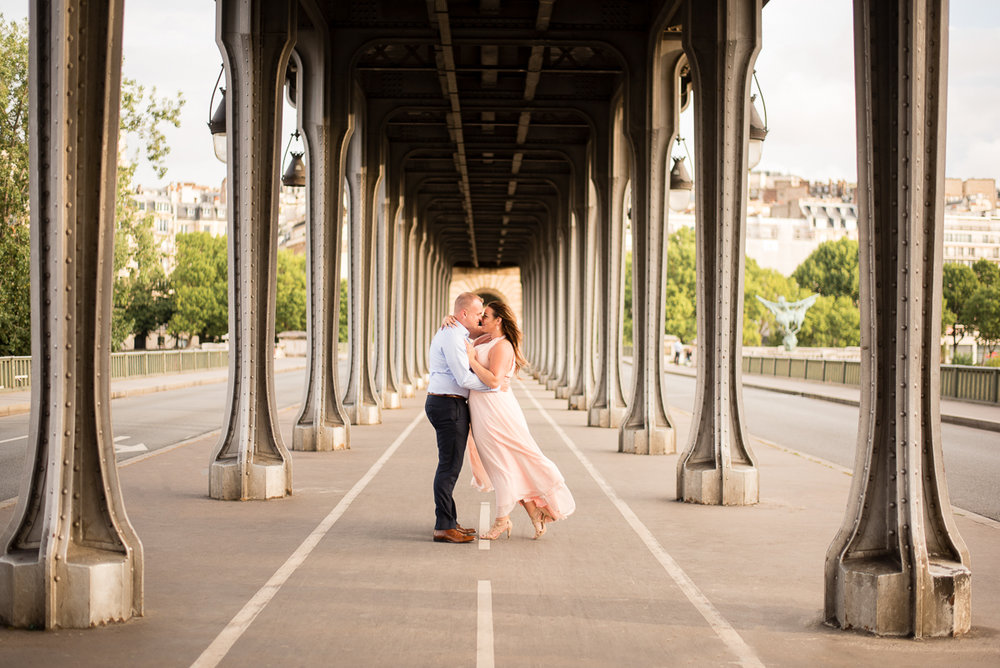 Romantic-Parisian-Photo-Session-Eiffel-Tower-Photographers,-Katie-Donnelly-Photography_005.jpg