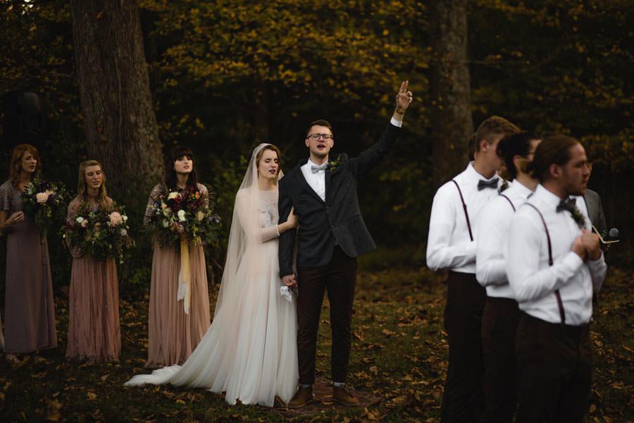 best-dayton-and-columbus-outdoor-natural-light-wedding-photographer.-Vintage-Bohemian-wedding.jpg
