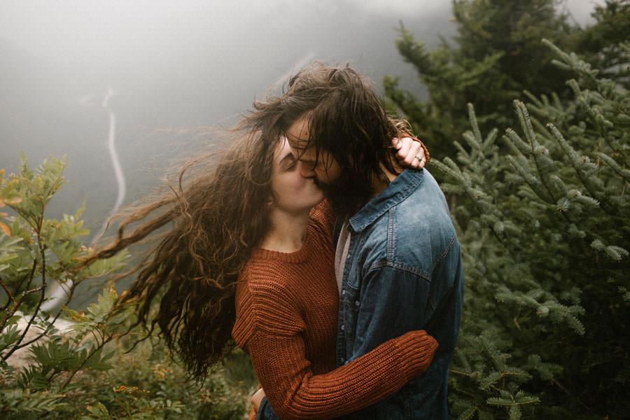 white-mountains-willard-point-engagement-session-new-hampshire-adventure-elopment-photographer.jpg