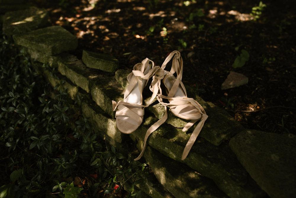 eastlyn and joshua findlay ohio wedding photographers bohemian outdoor wedding-4.jpg