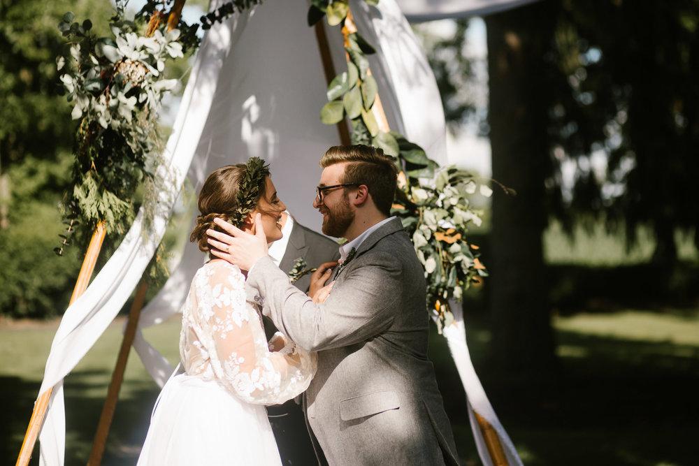 eastlyn and joshua findlay ohio wedding photographers bohemian outdoor wedding-118.jpg