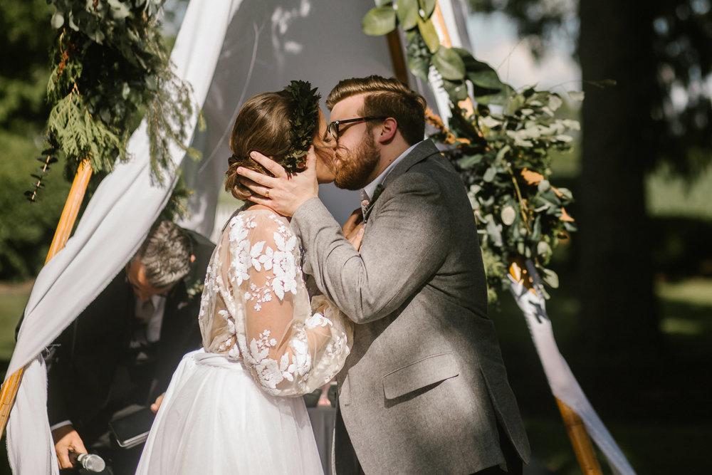 eastlyn and joshua findlay ohio wedding photographers bohemian outdoor wedding-120.jpg