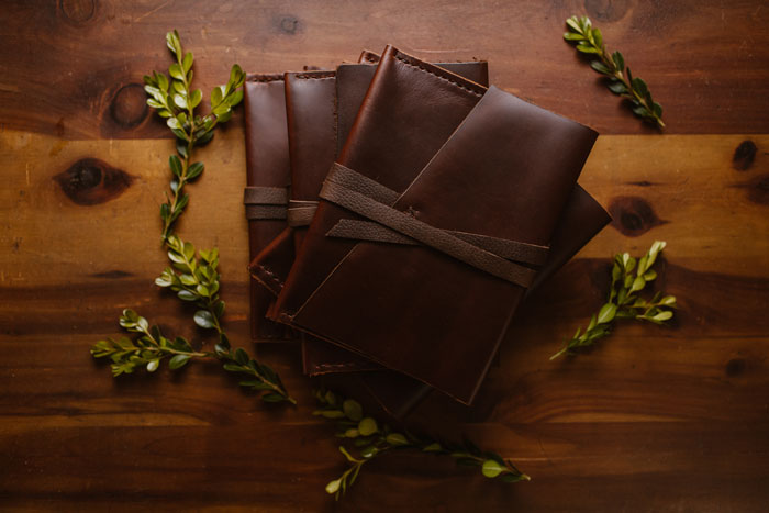 hand-stitched-leather-legacy-envelopem-for-photo-prints-made-in-the-usa-3.jpg