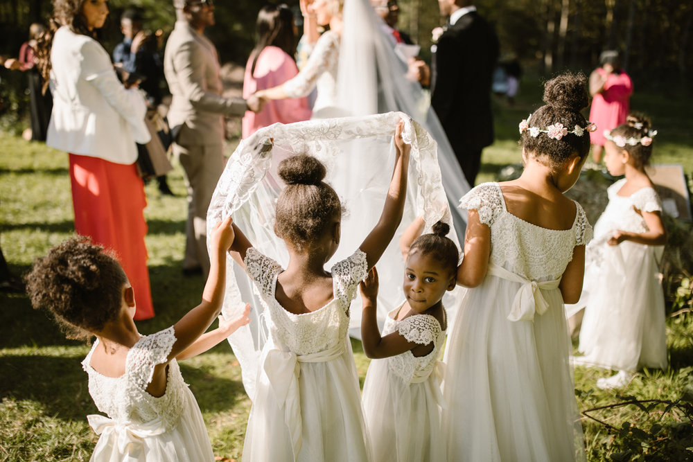 Curated gallery of wedding & portrait highlights -