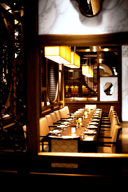 michelin star awarded modern cantonese fine dining restaurant, HAKKASAN, located in midtown manhattan, new york / photographed by matteo carcelli, SOME/THINGS AGENCY