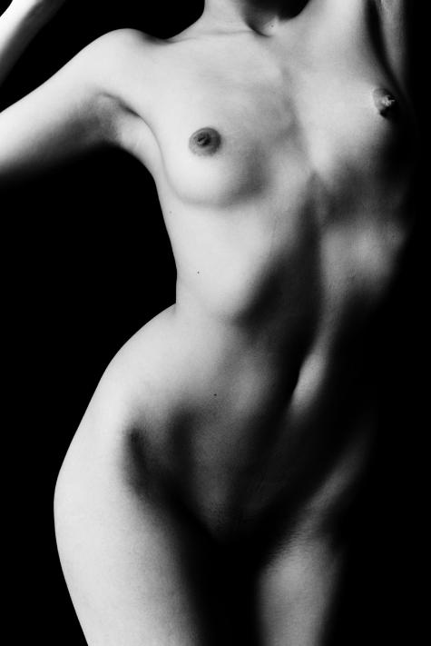 Nude-2021-30x45.jpeg