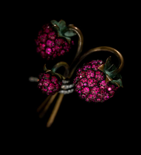 raspberry brooch, 2011