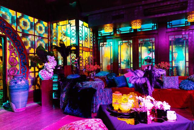 jumbo kingdom hong kong by nat urazmetova | SOME/THINGS S/TUDIO