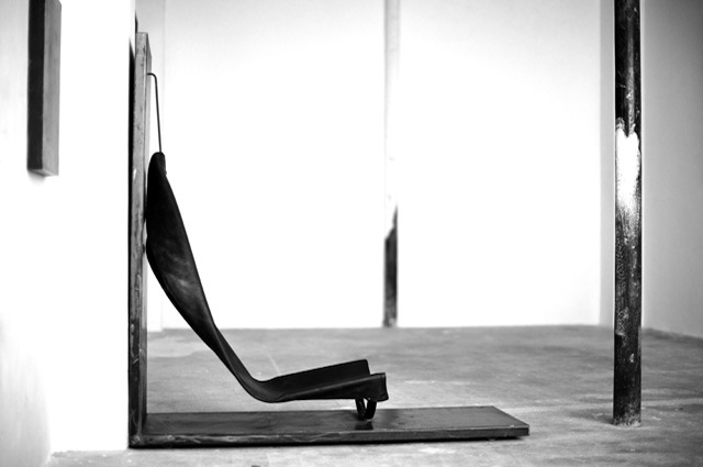 SOMESLASHTHINGS MAURIZIO ALTIERI CHAIR 01.jpg