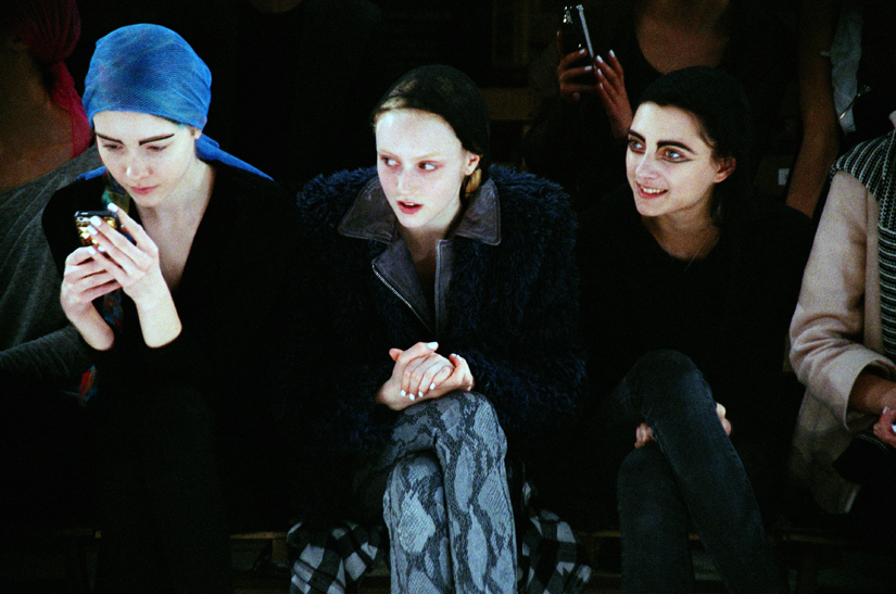 yohji yamamoto women's fall/winter 2014 backstage photography by elise toide | S/TUDIO