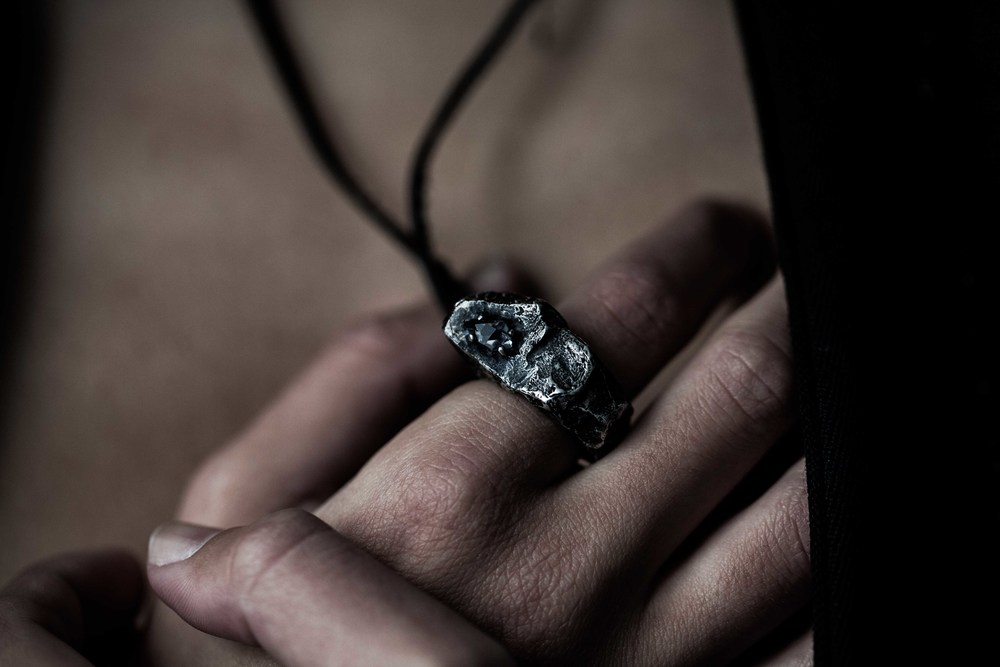 gris ring/pendant by alicia hannah naomi in collaboration with SOME/THINGS exclusively available at S/T CONCEPT S/TORE - photography by arpa poonsriratt | S/TUDIO