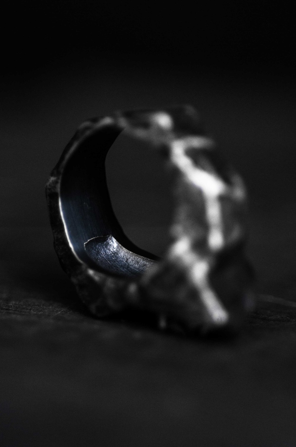 gris ring/pendant by alicia hannah naomi in collaboration with SOME/THINGS exclusively available at S/T CONCEPT S/TORE - photography by dario ruggiero | S/TUDIO