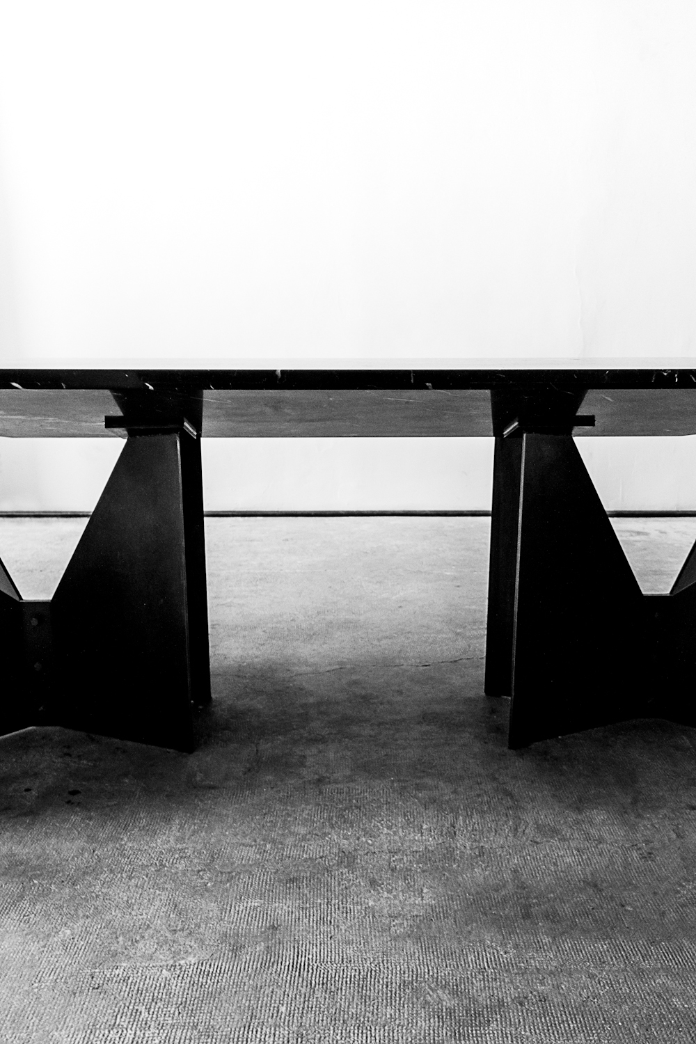 kundag table by pournoir photography by dario ruggiero | S/TUDIO