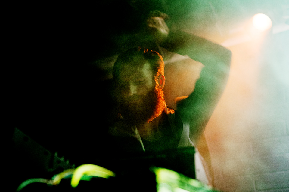 ben frost performance at corsica studios london by nat urazmetova | S/TUDIO