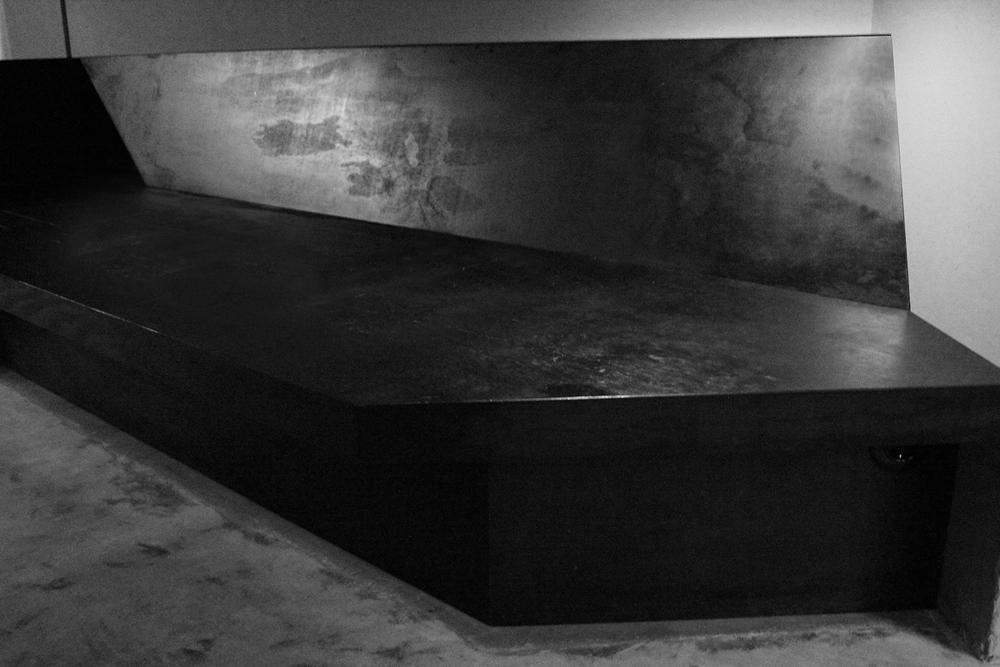 bench by 'jan janssen werken' at biek verstappen's atelier photography by pamela van rijswijk | S/TUDIO