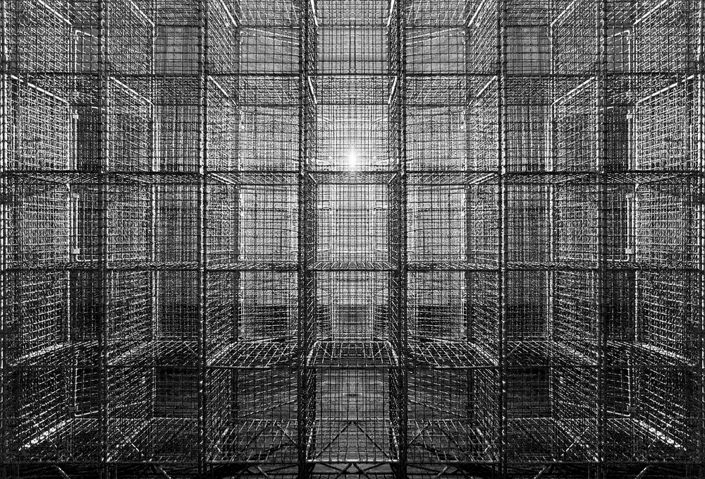 mona hatoum 'light sentence' 1992. photography by nicolas mazzei | S/TUDIO