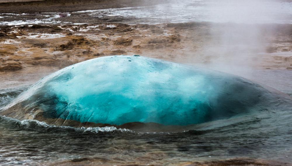 strokkur geysir, reykjavik iceland photography by david jensen