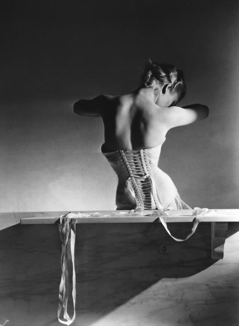 Horst P Horst - Mainbocher Corset 1939 - Gallery Johannes Faber
