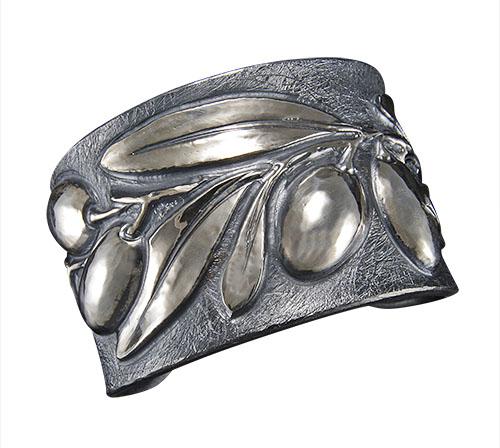 Olivo Cuff Bracelet
