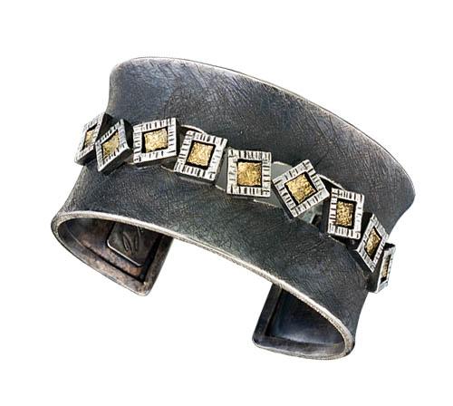 Passi Cuff Bracelet