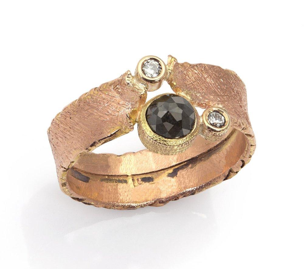 Oro Nero Ring
