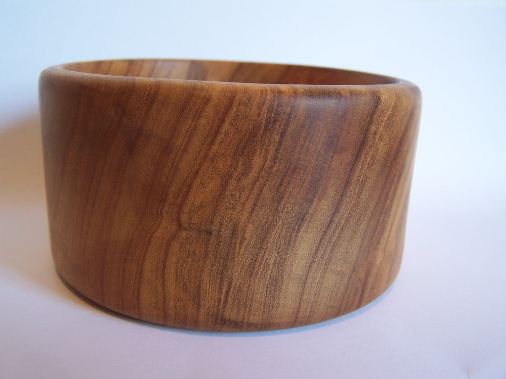 olive-wood-bowl-side-view.jpg