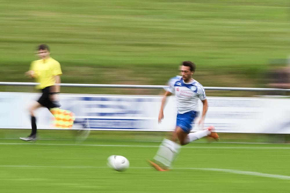 Tim Koch am Ball; Fussball Oberliga BW: TSG Backnang gegen FC 07 Albstadt, Etzwiesenstadion, Backnang Germany, 20161001; Foto: Wuechner/Eibner Pressefoto