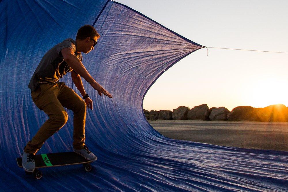 Trap Surfing, Soulac-sur-Mer Helikopterladeplatz, 07.09.15Surfer, Skateboard, Surfing, Sonnenuntergang, Sport, Skater, Strand, Sommerstimmung, Trap SurfingFoto: Nils Wüchner www.volley-photo.de