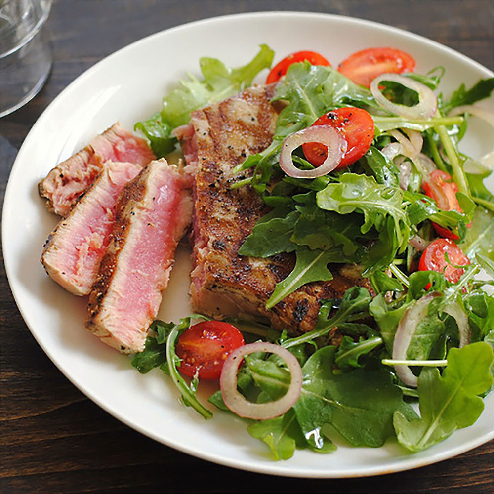 Grilled Ahi Tuna with Tomato Arugula Salad