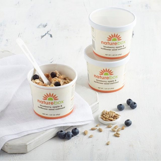 We're kicking off the New Year with a NatureBox giveaway!  They say breakfast is the most important meal of the day so we want to make sure that your day and year start off on the right foot!  Win a MONTH supply of NatureBox Oatmeal!  To enter:  1 - Follow NatureBox 2 - Like this post and comment with your favorite of our oatmeal flavors.  3 - Tag a friend (or a few!) you'd also want to win in the comments and you'll all be entered!  Open to U.S. Residents- enter by 1/2 at 11:59pm PST Good luck!  #glutenfree #nongmo #vegan #giveaway