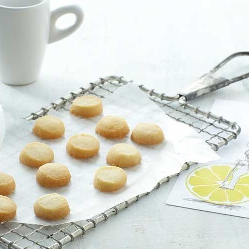When life handed us 🍋 we made them into tea biscuits!  Made with simple ingredients like powdered sugar, honey and lemon flavor.  Snag some today via the link in our bio!