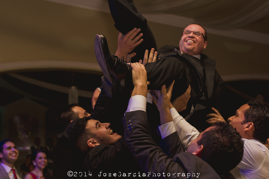 Keylam + Alex Boda Mexicali Wedding Flying Groom