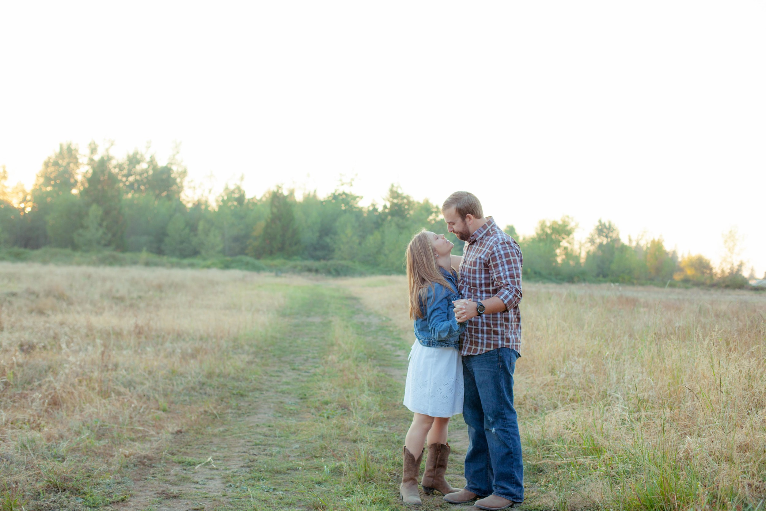 couple, seattle photographer, buckley, tayler christine photography, engagement session, country chic, sunset, field, bonney lake, lake taps, cowboy, mount rainier,