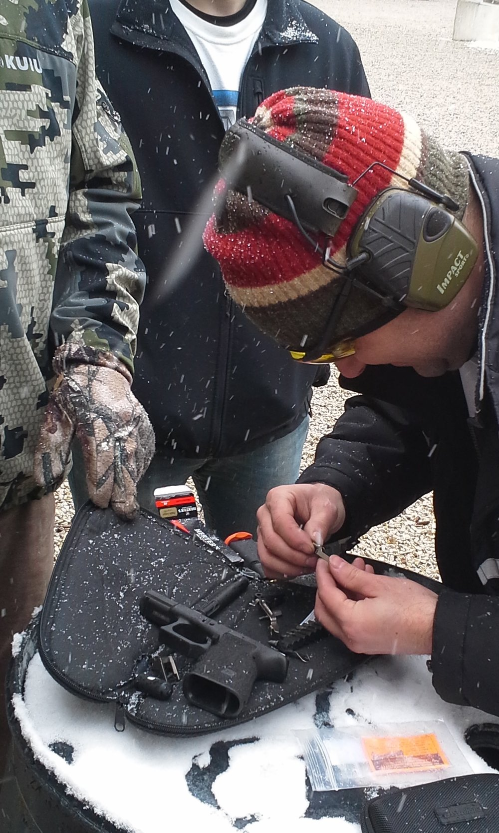 THE SUPER GUYS FROM MIDWEST GUN WORKS JUMP INTO ACTION AND PROVIDE EMERGENCY SERVICES TO A GLOCK.  NICELY DONE!    (MARCH 2017 ARPC-IDPA)