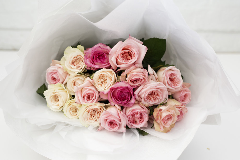 NOT RED - ROSES EN MASSE 20 MIXED COLOUR 50CM ROSES $80.00