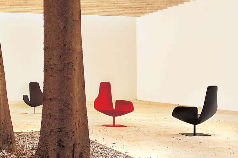 The 'Fjord Relax' chair for Moroso from 2002. A design icon and extremely comfortable.