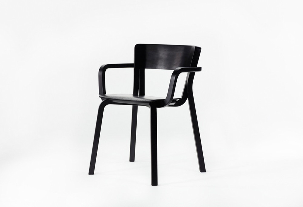 The 'Para' chair by Adam Goodrum for Dessein Furniture.