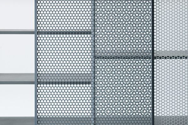 Junpei Tamaki 's 'Snowscape' cabinet detail is a truly beautiful example of the use of an industrial material. Photgraph by Takumi Ota.