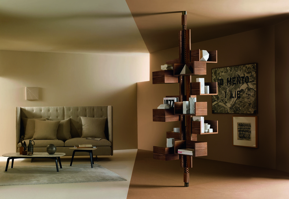 'Albero' self supporting bookshelf by Gianfranco Frattini for Poltron Frau. Originally from the late 50's.