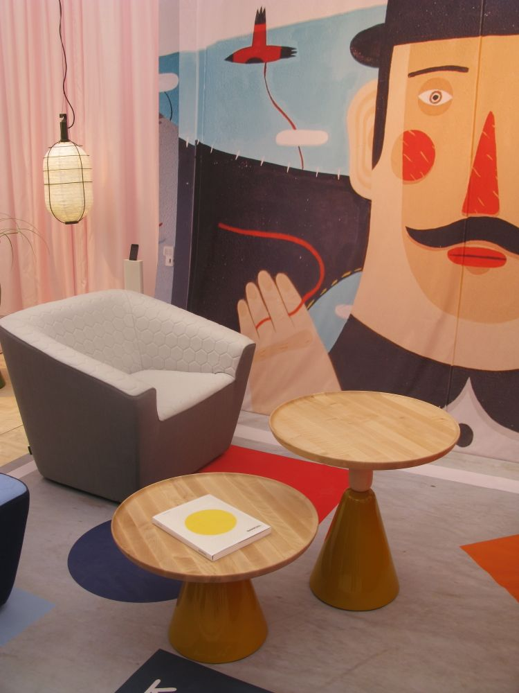 Ke-zu's pale pink stand featured furniture by Spanish brand Sancal and lighting by French brand Forestier.