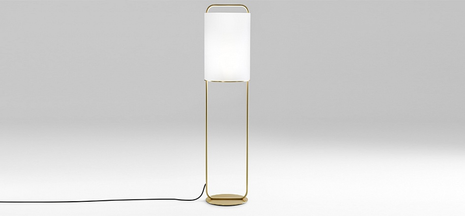 The 'Alistair P' is a 1.30 metre high floor lamp with an opal cylindrical blown glass diffuser.