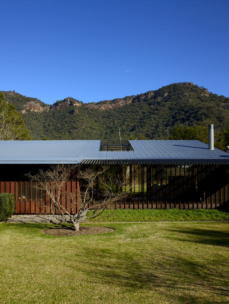 Kerridge's house in the Hunter features many methods and materials found in traditional Australian farmhouses.  Open areas capture the view and cooling breezes and lend the building a lightness despite its relatively large size.