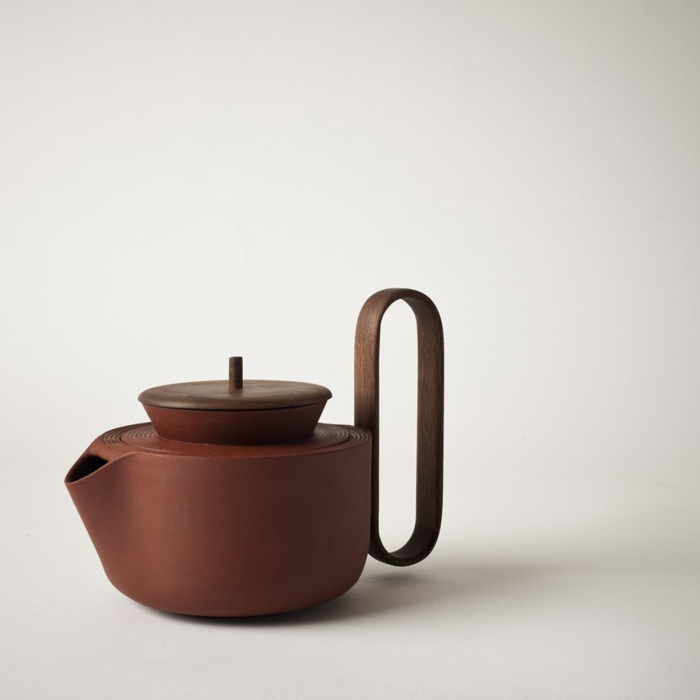 The shape is not the only extraordinary thing about the tea pot. The craftsmanship is quite amazing too.