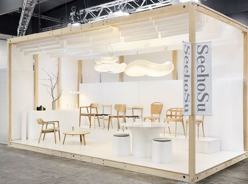 The SeehoSu stand designed by Design daily to showcase Maruni, Molo and Gemla products. The stand was made from clear pine and white Tyvek with a limed birch plywood floor. A soft, calm and honest stand was the desired outcome.