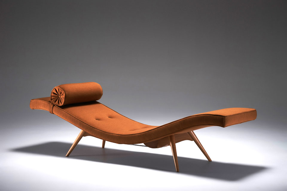 The 'Z300' chaise lounge from 1953. A hidden metal rod helped the precariously splayed base take the weight of a body.