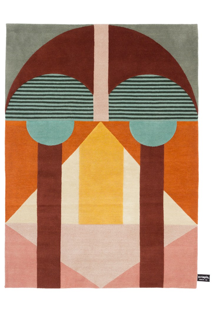 Milan based rug brand cc-tapis presented two new rugs by Studio Zaven called 'Chipo' and 'Zo' based on African tribal masks. Shown here is 'Chipo'
